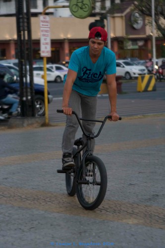 trick_biker_2