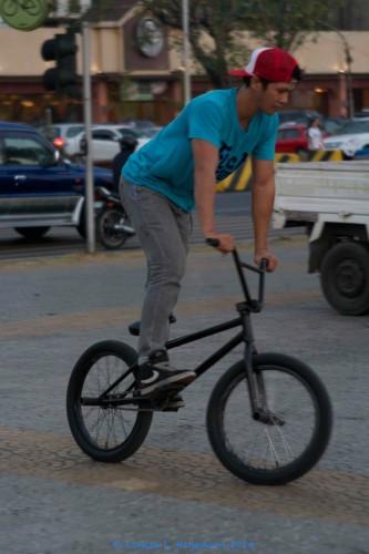 trick_biker_3